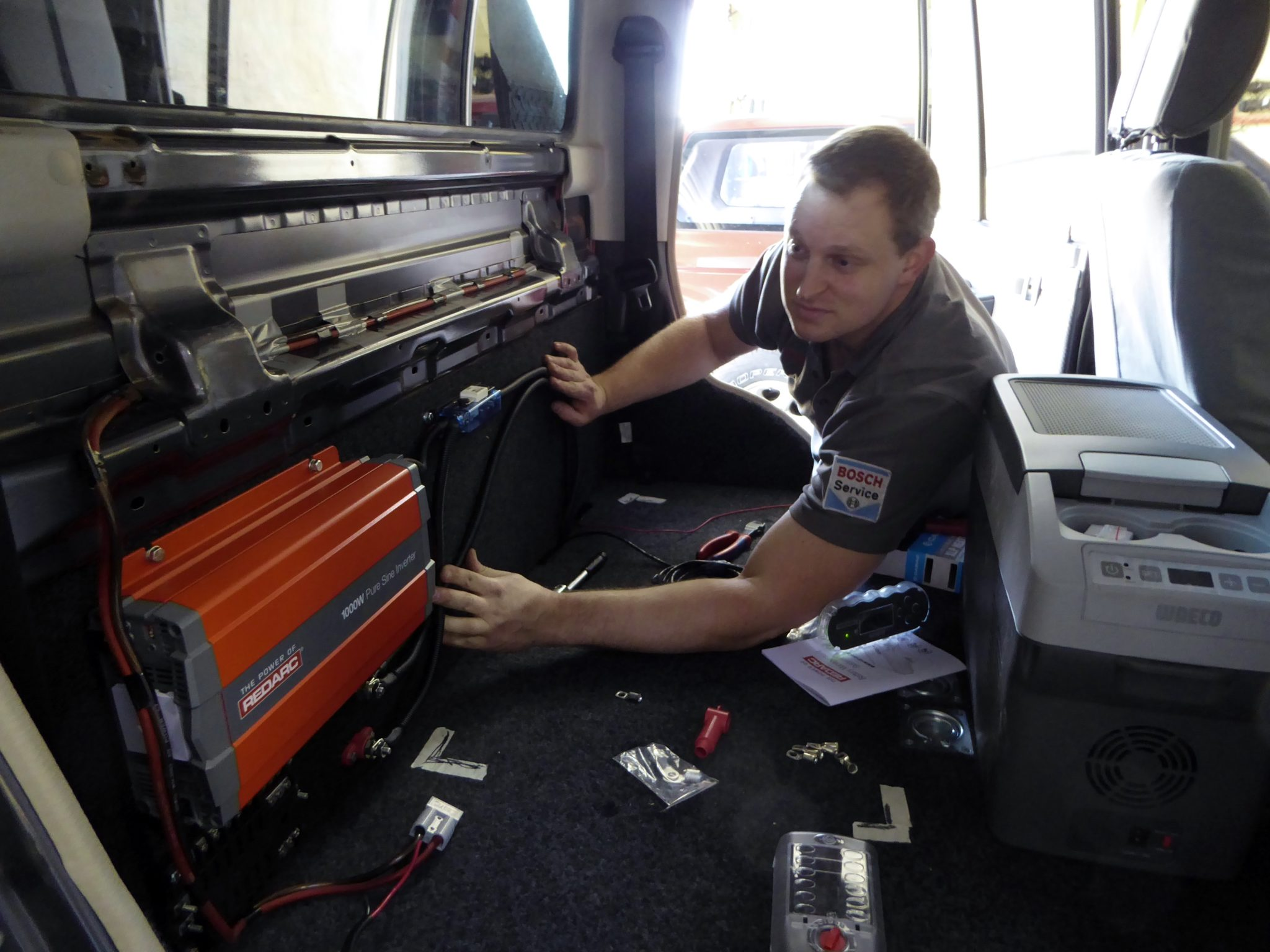 05-redarc-inverter-installation-in-rear-cab