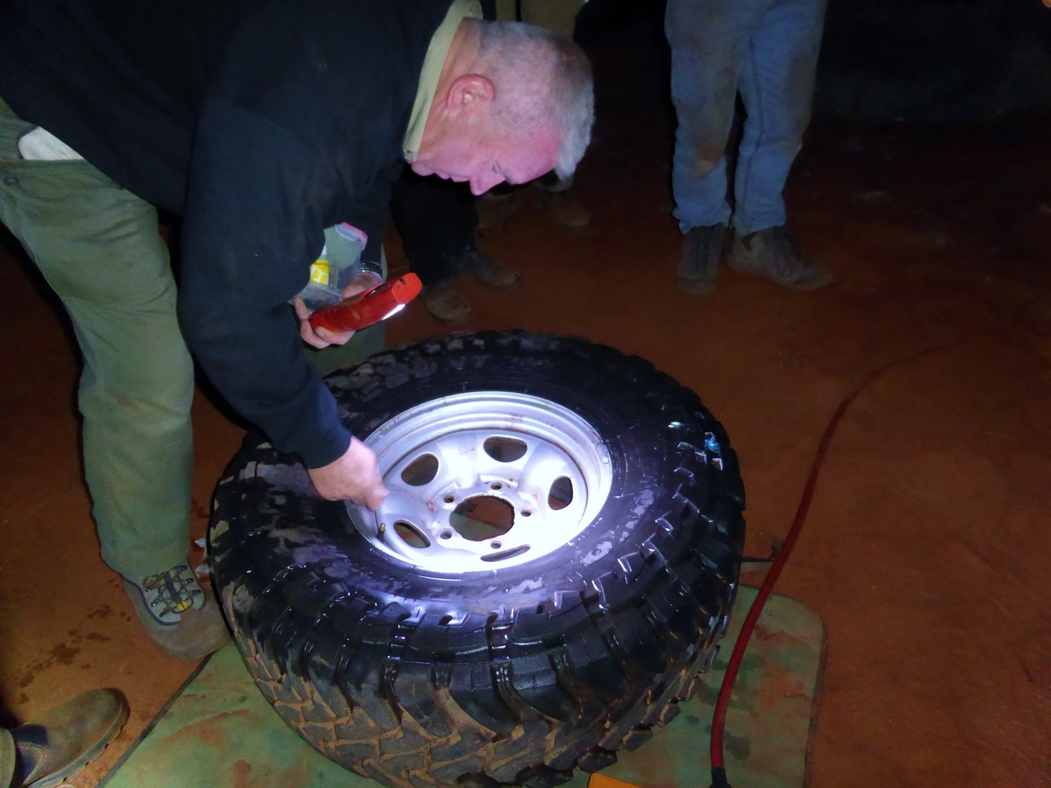 03-being-able-to-fix-tyre-punctures-on-the-tracks-will-keep-you-moving