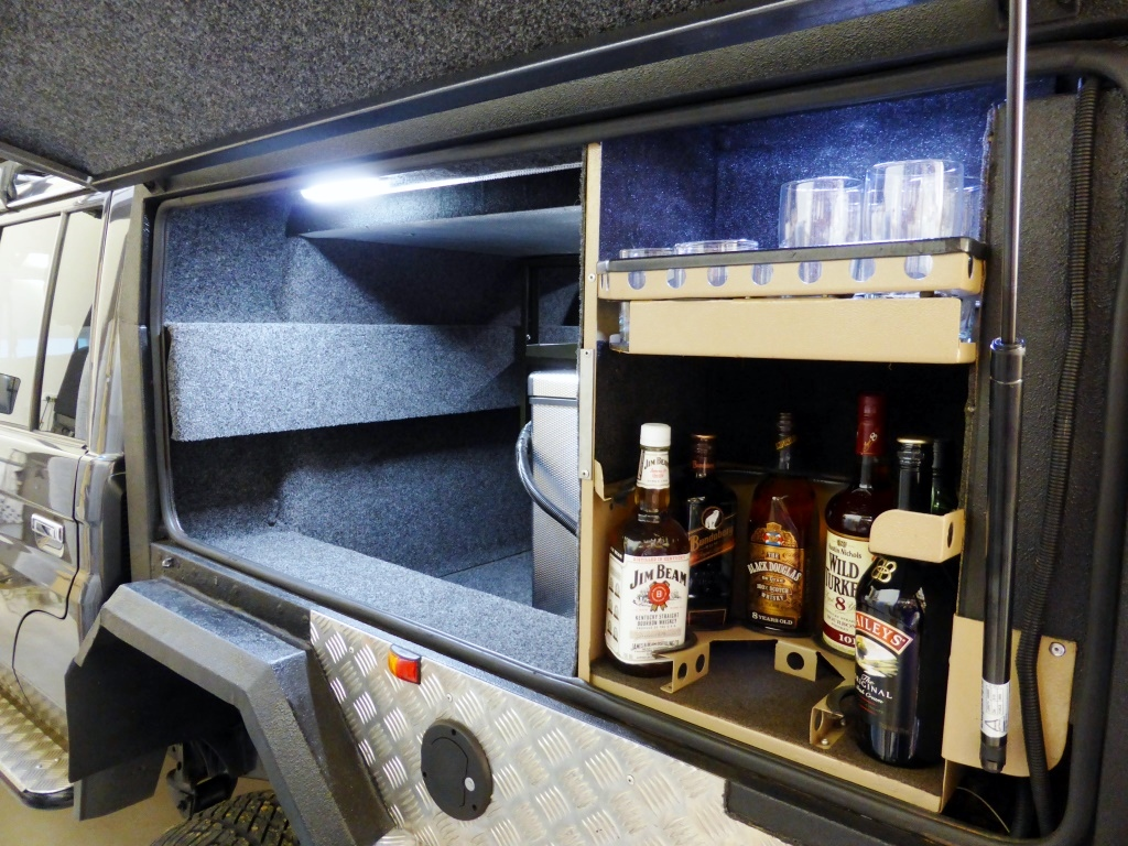 When we bought our 79 series, it came complete with the bar layout and glass holders